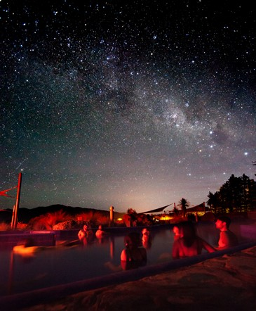 Star gazing from our Pukaki Pool