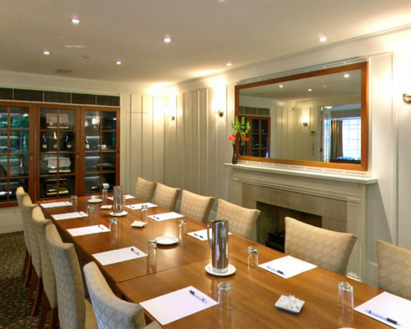 The George The Residence Meeting Room