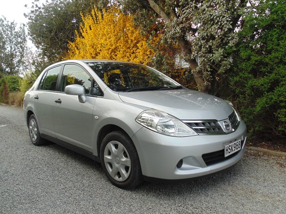 1.5L Nissan Tiida Latio - surprisingly spacious interior and ample boot space