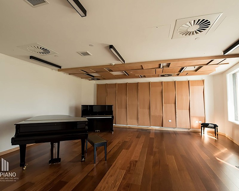 The Piano Meeting Room with Piano