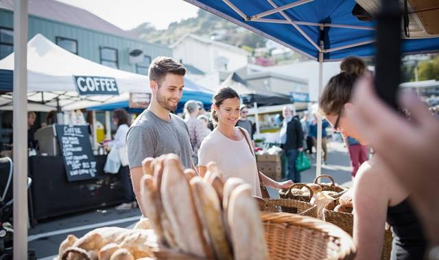 Couple at Lyttelton Farmers Market