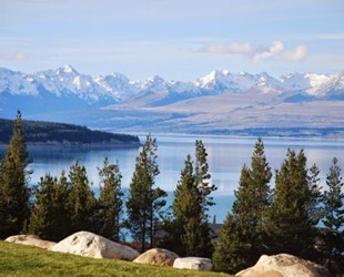Mt Cook Lakeside Retreat - High Country Estate & Luxury Villa Collection