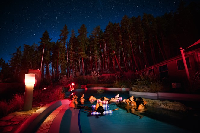 Star gazing in the hot pools
