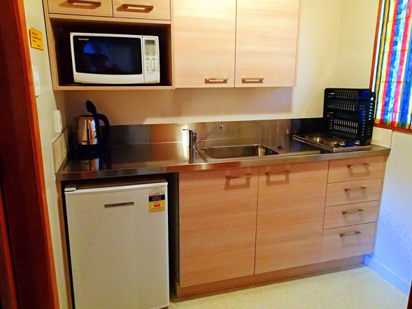 These self catering units have their own kitchen facilities with microwave, double hot plate, fridge, crockery and cutlery.